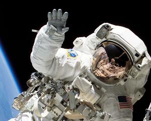 astronaut_med